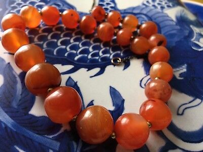 FINE ANTIQUE CHINESE AMBER CARNELIAN AGATE BEAD NECKLACE CHOKER 42 cm