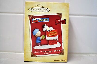 RARE 2004 NEW HALLMARK MERRY CHRISTMAS SNOOPY SERIES ORNAMENT w SPECIAL LIGHTING