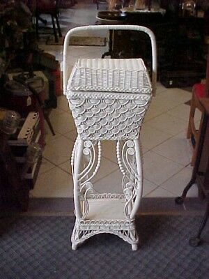 RARE!! BEAUTIFUL OLD Victorian STYLE WICKER  Sewing Basket Stand!