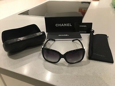 cf2a46dfe6b WOMENS CHANEL BLACK Oversized Sunglasses With Chanel Bow On Arm