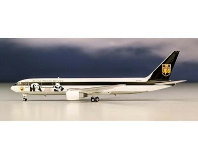 Phoenix 04209 UPS Boeing 767-300 Panda Express N315UP Diecast 1/400 Jet Model