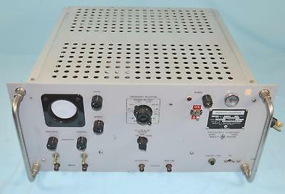* Hewlett Packard HP Model 100ER Frequency Calibrator