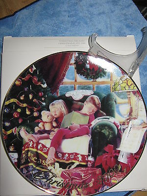 *CHRISTMAS DREAMS* Porcelain 2000 CHRISTMAS COLLECTOR PLATE Avon Pre-Owned Boxed