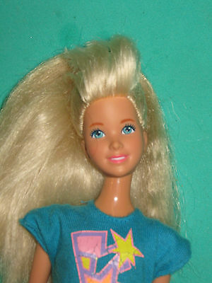 JAZZIE-COUSIN OF BARBIE- w/ TURQUOISE & PINK OUTFIT-LOOSE
