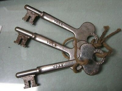 "Lot of 3 Vintage ""YALE & Towne"" Skeleton Key made in USA"