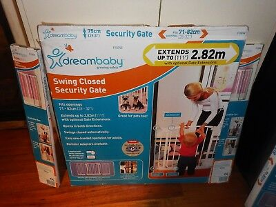 Dream Baby Baby Safety Gate &  1x  Extensions  Great  used  Condition