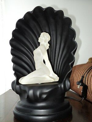Retro Nude Lady Shell Lamp - Colours