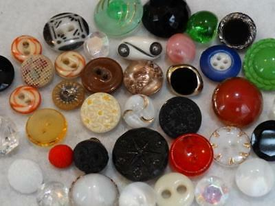 FABULOUS LOT ANTIQUE VINTAGE GLASS & CHINA BUTTONS Stencil Moonglow +++