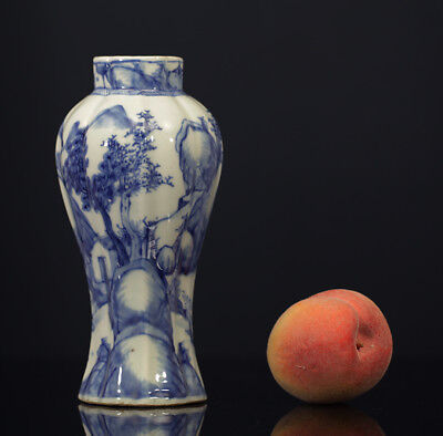 A BEAUTIFUL antique CHINESE PORCELAIN BLUE WHITE VASE MOUNTAIN LANDSCAPE 1700