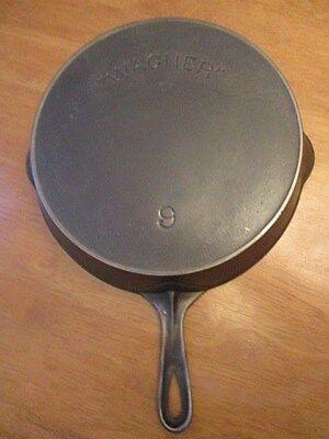 "Antique "" WAGNER "" Arc Logo # 9 Cast Iron Skillet with Heat Ring 1898 - 1915"