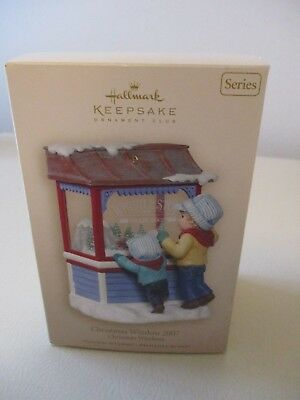 2007 Hallmark CHRISTMAS WINDOW Keepsake Christmas Tree Series Ornament