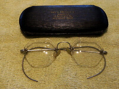 Vintage Pair Of Rimless 6 Sided Lenses Eyeglasses - With Hard Shell Case