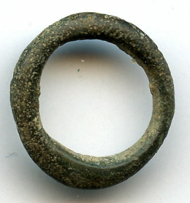 Small (16 mm) authentic bronze Ancient Celtic ring money, 800-500BC, Danube Area