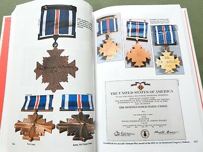 """SIGNED """"THE CALL OF DUTY"""" US CIVIL WAR WW1 WW2 MEDALS REFERENCE BOOK Rare Awards"""