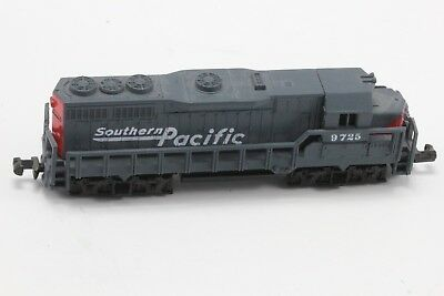 N Scale High Speed Southern Pacific Model Railroad Diesel Train Engine. No. 418.