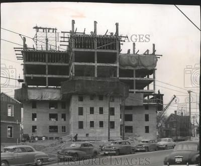 1955 Press Photo Addition to Hillside Terrace, Milwaukee, to be completed 1956