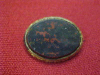 Antique  Victorian  Vtg  Oval  BLOODSTONE  Agate  Brooch   Ornate  Mounting
