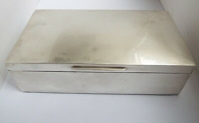 Handsome Large Size Heavy English Antique 1902 Sterling Silver Cigar Humidor Box