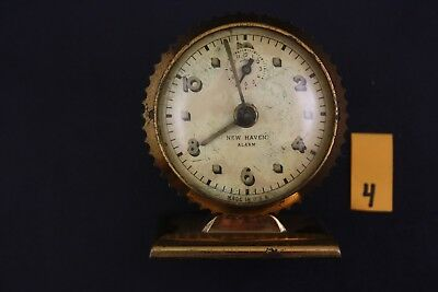 Vintage New Haven Small / Travel Alarm Clock  4