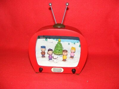 Vintage Style TV with Rabbit Ears, Lights up, PEANUTS Gang W/ SNOOPY, LIGHTS