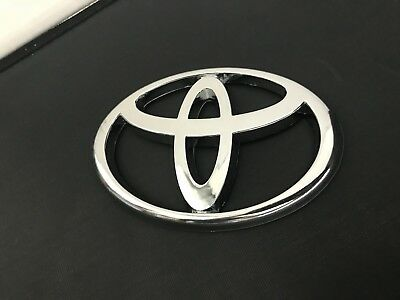 A OEM LOGO Toyota highlander rear 01-2007 tailgate Trunk Emblem Ornament Badge
