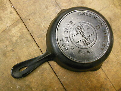 vintage griswold cast iron skillet small 0 large logo heat ring #562 old pan