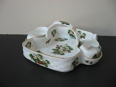 Vtg HAMMERSLEY BONE CHINA STRAWBERRY RIPE 3 PIECES STRAWBERRY BASKET SOLD AS IS