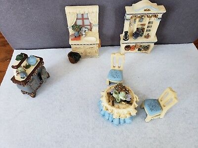 "Avon Victorian Memories Miniature Furniture Collectibles ""Kitchen"""