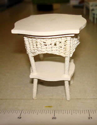 Dollhouse Miniatures 1:12 - Wooden ROUND WICKER PARLOR TABLE Wee Creations 1988