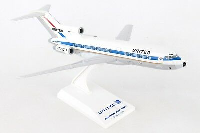 Skymarks SKR896 United Airlines Boeing 727-100 Desk Display Model 1/150 Airplane
