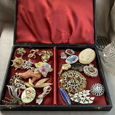 Job lot Collection of 25 Vintage Brooches and Pins in box