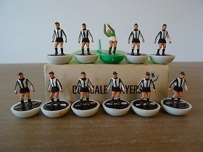 + Subbuteo Heavyweight Team Newcastle United - Ref: 8 - In Referenced Box ++