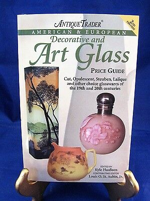 Book - Antique Trader's Art Glass Price Guide