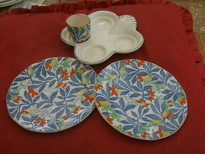 HANCOCK'S.  IVORY WARE       Egg cup tray and 1 egg cup. 2 side plates