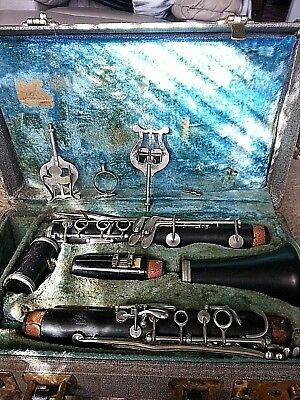Vintage CONN Victor USA Clarinet *Original Case W/Cleaners & 2 Music Stands