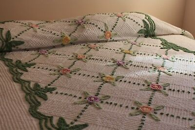 Vintage Cotton Chenille Bedspread 84x96 Great Posies w Green