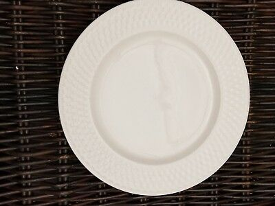 """ONEIDA Westerly Basket  White Wicker 11"""" Dinner Plate EXCELLENT (set of 2.)"""
