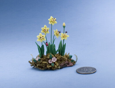 Beautiful Dollhouse Miniature Garden Bed Filled with Yellow Daffodils #ZA804Y