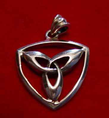 LOOK 0197 Celtic Knot Real solid Sterling Silver Charm Wicca TRIQUETRA Invert Je