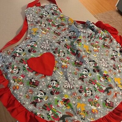 New Disney Parks Mickey Mouse & Friends 2018 Holiday Christmas Apron New Item!