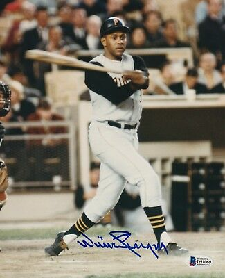 WILLIE STARGELL (Pittsburgh Pirates) Signed 8x10 PHOTO with Beckett COA