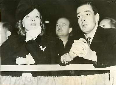 Actrice Marlene Dietrich avec Victor Mature, ca.1930, vintage silver print vinta