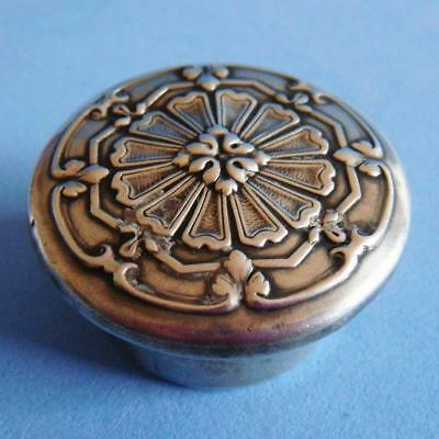 Beautiful Antique Sterling SILVER Ornate Decoration Flower Round Pill Box!