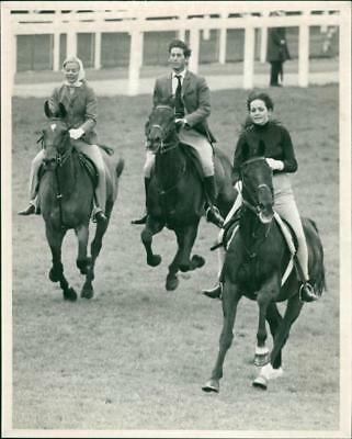 The Duchess of Kent, Prince of Wales and Louise Astor. - Vintage photo