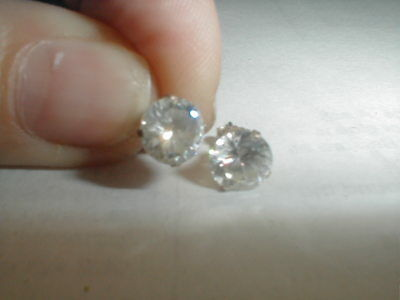 VINTAGE 2 CARAT CZ BRILLIANT CUT STERLING SILVER STUD EARRINGS a must have!