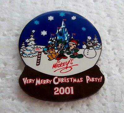 *~* Disney Mickey's Very Merry Christmas Party Snowglobe 2001 Le Pin *~*