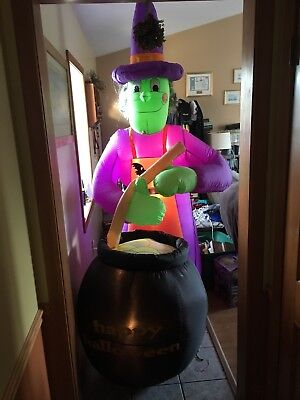 Halloween 8ft Airblown Inflatable Gemmy Blow Up Witch With Caurden