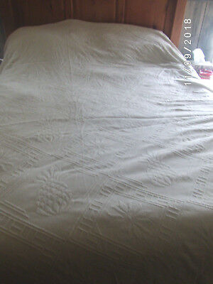 Vintage Cotton Chenille Bedspread Off White Full (C) Pineapple Textured