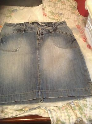 Adorable Maternity OLD NAVY Jean Skirt  size 12