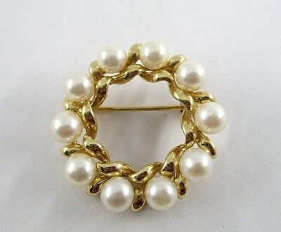 1960's Laurel Brooch Pin with 10 Saltwater Cultured Pearls in 14K Yellow Gold